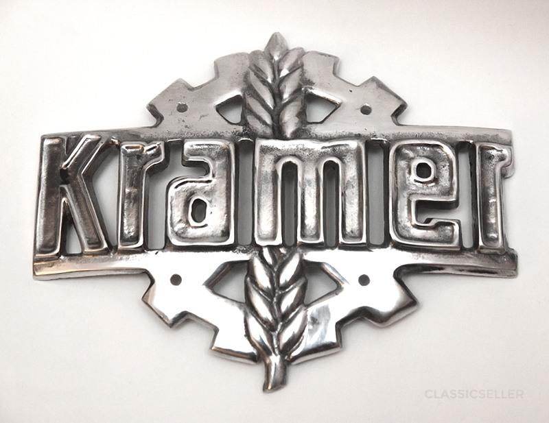 Kramer Emblem Logo Kühleremblem Schild Zeichen Traktor Schlepper Motorhaube